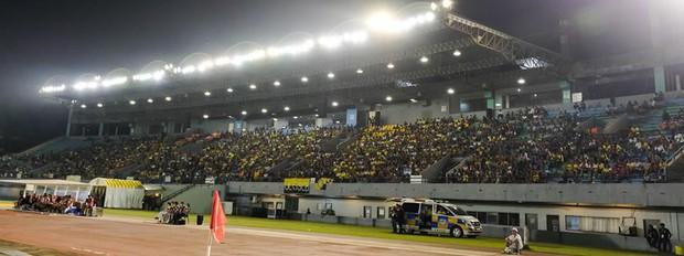 Bán kết AFF Cup: Sân trận Việt Nam - Philippines u ám như rừng rậm - Ảnh 4.
