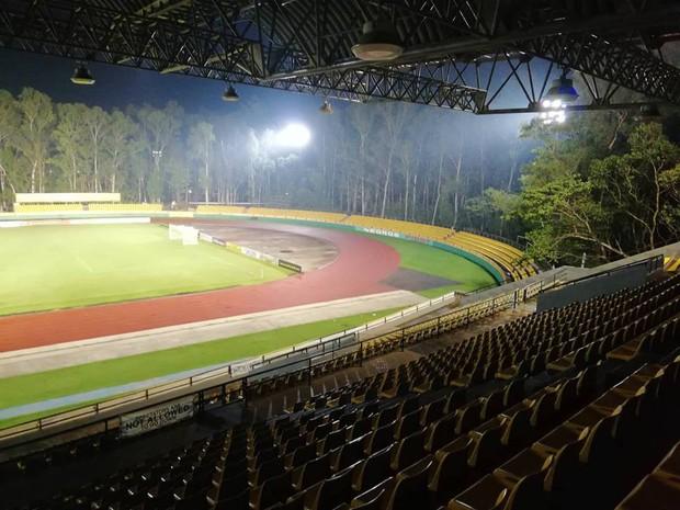 Bán kết AFF Cup: Sân trận Việt Nam - Philippines u ám như rừng rậm - Ảnh 3.