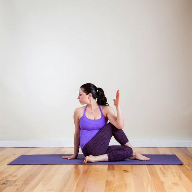 """12 bài tập Yoga giúp thanh lọc cơ thể """"cực nhanh"""", tập ngay kẻo muộn - Ảnh 15."""