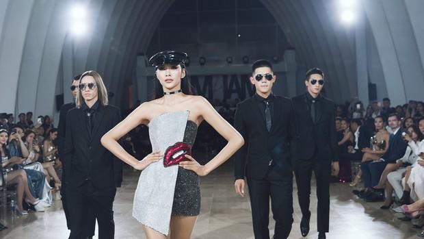 Sau 16 năm, Thanh Hằng lại một lần nữa đăng quang Hoa hậu và catwalk cùng Kỳ Duyên, Hoàng Thùy - Ảnh 7.