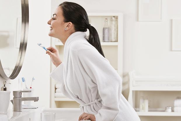 5 kiểu đánh răng gây ảnh hưởng không nhỏ tới hàm răng mà đa số người hay mắc phải - Ảnh 3.