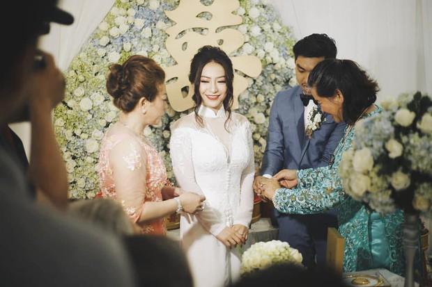 Ca sĩ MiA làm đám hỏi: Hình ảnh chú rể Triệu Vương đã được hé lộ - Ảnh 1.
