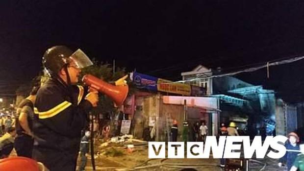 Cháy xe bồn chở xăng gần cây xăng ở Khánh Hoà - Ảnh 7.