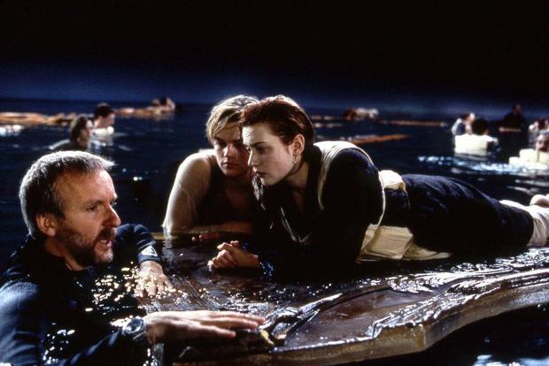 Lý do chàng Jack không trèo lên cánh cửa ở Titanic theo James Cameron hóa ra lại đơn giản đến... chưng hửng! - Ảnh 3.