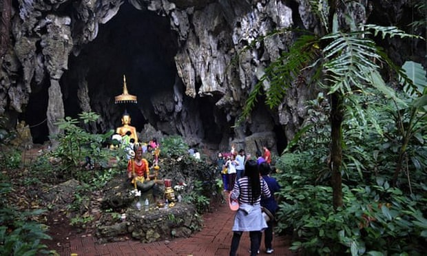 Hang động Thái Lan nơi đội bóng đá thiếu niên bị mắc kẹt trở thành điểm du lịch nổi tiếng - Ảnh 1.