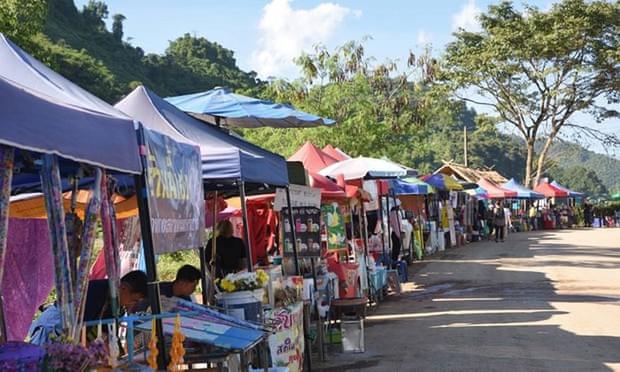 Hang động Thái Lan nơi đội bóng đá thiếu niên bị mắc kẹt trở thành điểm du lịch nổi tiếng - Ảnh 2.