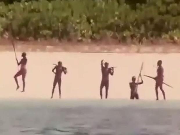 Bộ tộc giết người lạ trên đảo Sentinel từng 11 lần bị người hiện đại quấy rầy, và đây là những gì đã xảy ra - Ảnh 5.