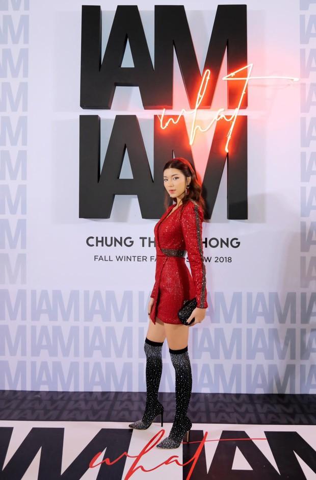 Thảm đỏ show Chung Thanh Phong: Khả Ngân thử style lạ, Quỳnh Anh Shyn giật giũ như chim sẻ đi mưa - Ảnh 7.