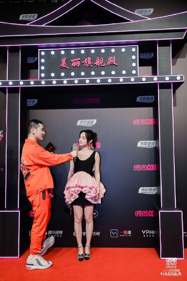 Thảm đỏ nóng nhất Cbiz: Jaejoong gây sốt vì xuất hiện bất ngờ, Thư ký Kim sắc vóc nóng bỏng bên Dương Mịch già chát - Ảnh 37.