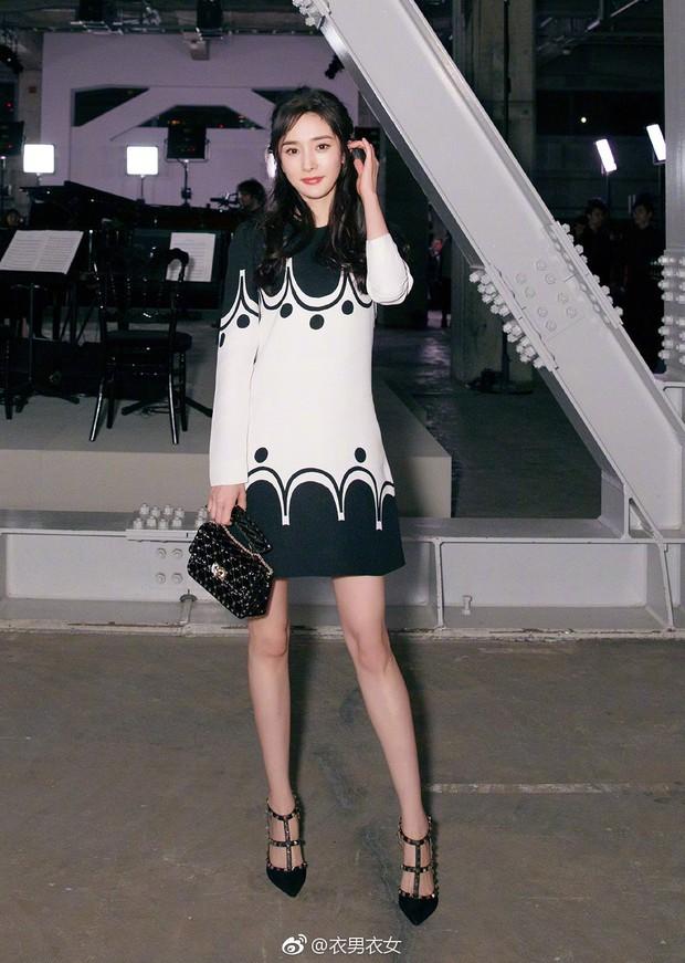 Dương Mịch - Song Joong Ki chung 1 khung hình: Chênh có 1 tuổi mà người như đôi mươi, người xuống sắc đều vì kiểu tóc - Ảnh 5.