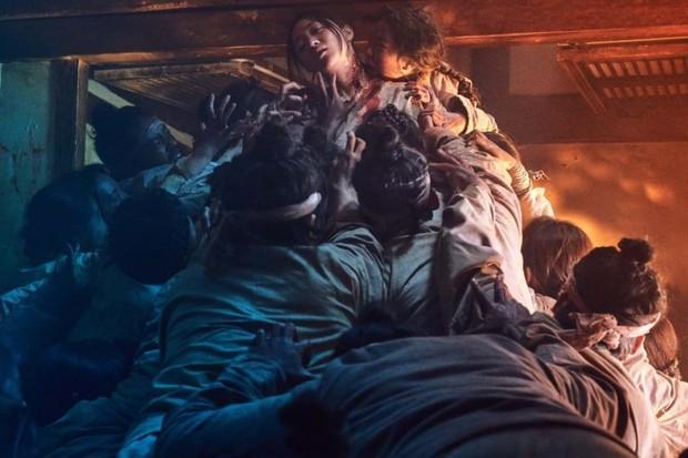 """Chán melodrama, lưu ngay danh sách các phim Hàn """"nặng đô"""" hơn sắp đổ bộ! - Ảnh 11."""