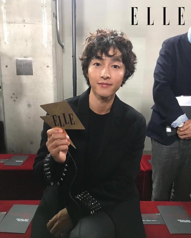 Ngược đời Song Joong Ki dự sự kiện với loạt sao siêu hot: Hình chụp vội đáng yêu, ảnh chính thức xuống sắc khó đỡ - Ảnh 5.