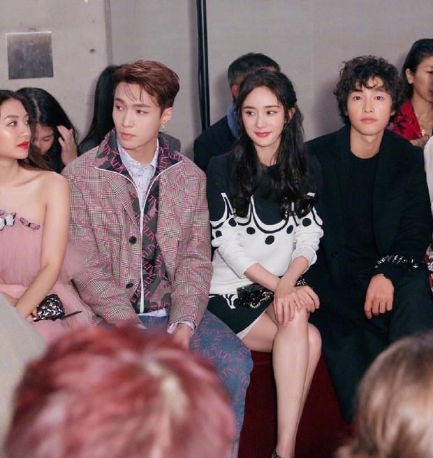 Ngược đời Song Joong Ki dự sự kiện với loạt sao siêu hot: Hình chụp vội đáng yêu, ảnh chính thức xuống sắc khó đỡ - Ảnh 3.