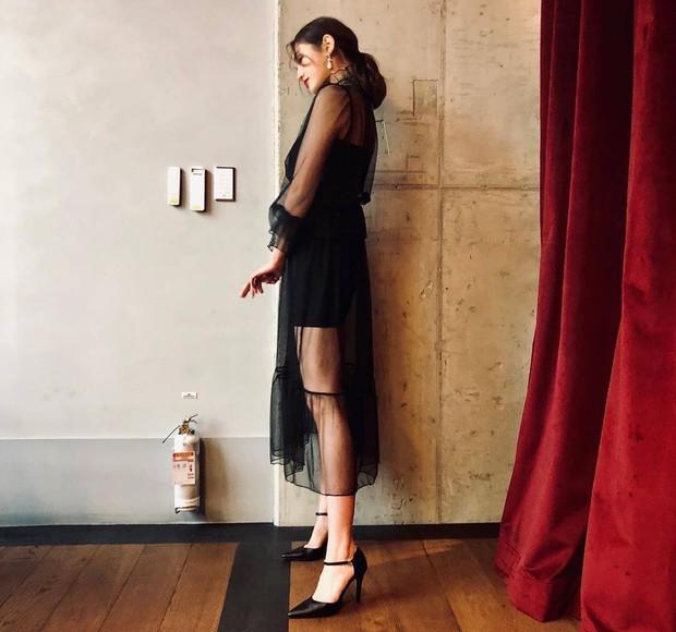 Jeon Somi mặc váy xuyên thấu chút đỉnh, netizen Hàn đã đồng loạt chỉ trích: mởi 17 tuổi thì hãy chừng mực! - Ảnh 3.