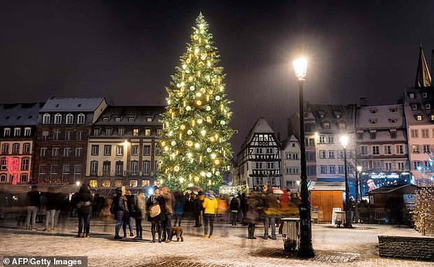 Để bảo vệ thông tin riêng tư, Đức cấm trẻ em gửi thư đòi quà ông già Noel - Ảnh 1.