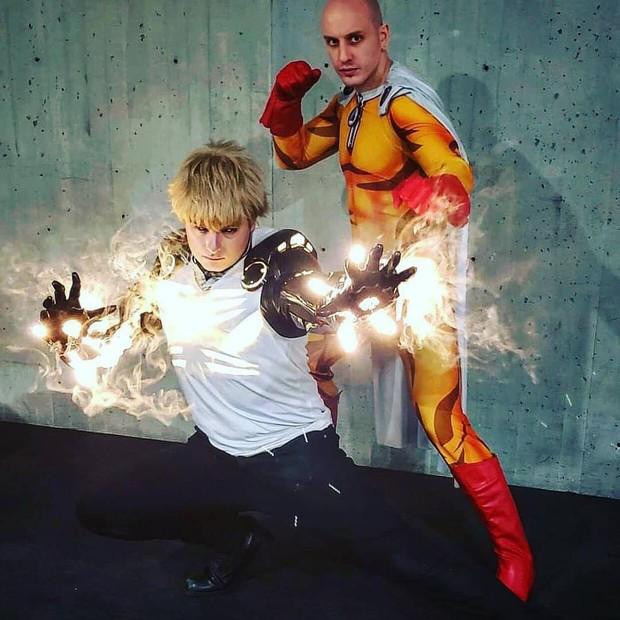 Đẳng cấp cosplay hơn cả kỹ xảo Hollywood: Hóa thành Genos (One Punch Man) tung chưởng khói lửa như thật - Ảnh 5.