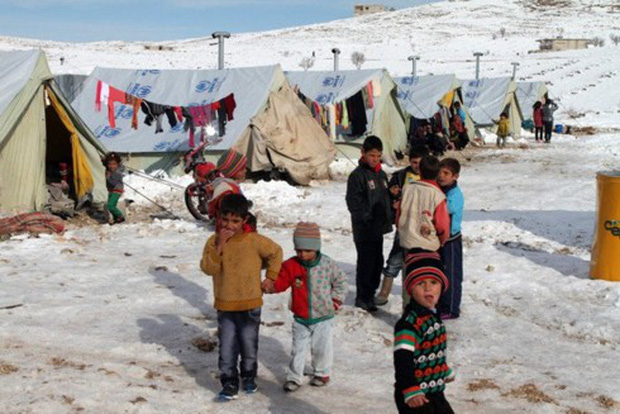 """Gần 1 triệu trẻ em Trung Đông và Bắc Phi đối mặt mùa đông """"khốc liệt"""" - Ảnh 1."""