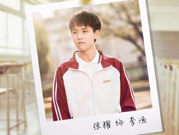 """Dương Tịch trong """"Sống Không Dũng Cảm Uổng Phí Thanh Xuân"""" chính là bản sao của Deok Seon """"Reply 1988"""" - Ảnh 8."""