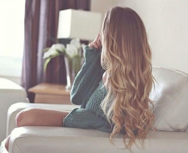 Mùa này tóc rất dễ chẻ ngọn nên hãy làm ngay những điều sau để có mái tóc đẹp - Ảnh 4.