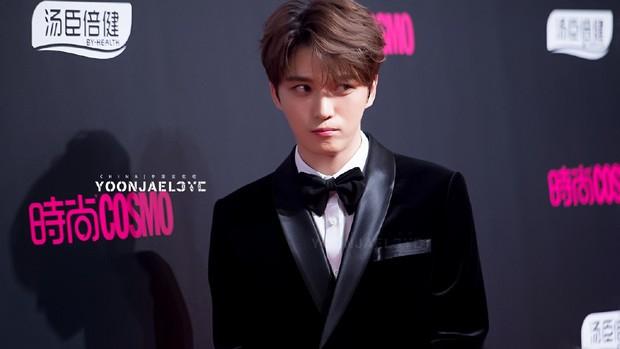 Nhan sắc cực phẩm của Kim Jaejoong tại thảm đỏ Cosmo: Từng khoảnh khắc đều hoàn mỹ đến khó tin - Ảnh 6.