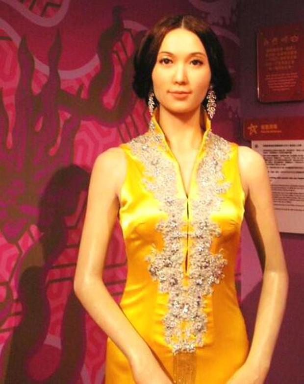Bộ sưu tập tượng sáp xấu đến ma chê quỷ hờn của Chân dài số 1 Đài Loan Lâm Chí Linh - Ảnh 7.
