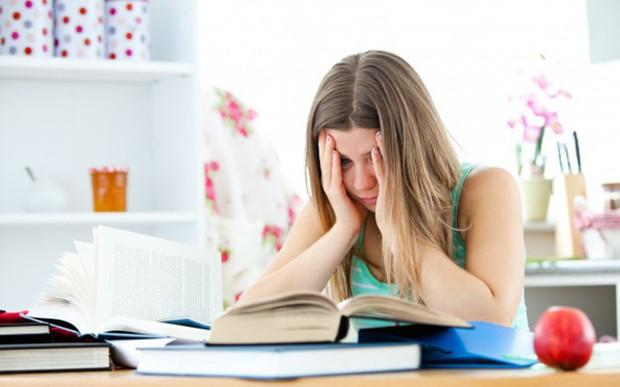 Tuổi dậy thì mà hay thức khuya coi chừng mắc phải hàng loạt vấn đề sức khỏe sau - Ảnh 2.