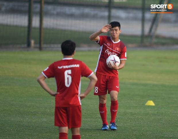 Công Phượng trở lại làm CP10, Mạnh gắt mất số áo yêu thích tại Asian Cup 2019 vì quy định của AFC - Ảnh 2.