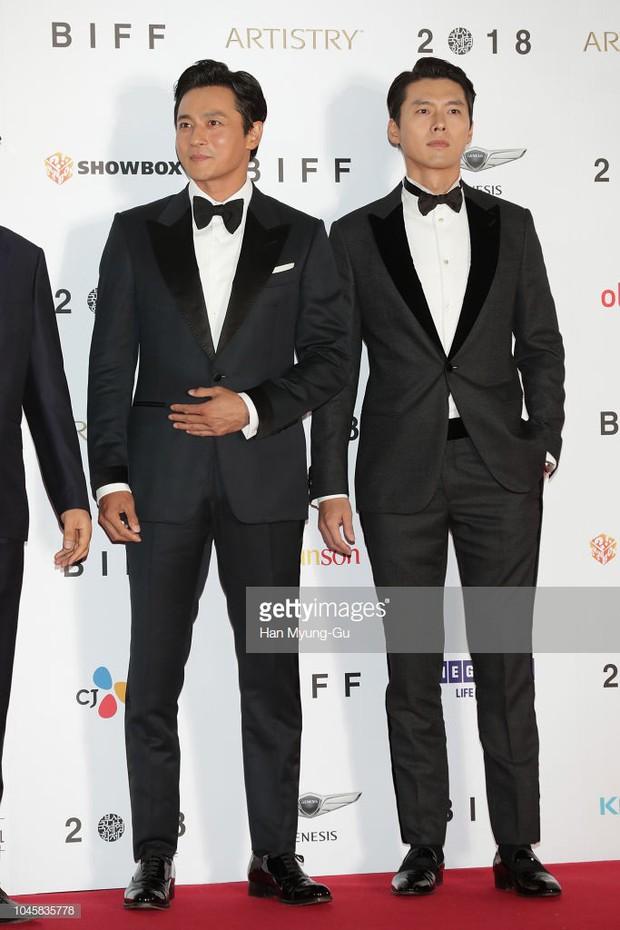 Jang Dong Gun và Hyun Bin kém 10 tuổi trong 1 khung hình: Thời gian cũng phải chịu thua trước 2 cực phẩm quý ông - Ảnh 8.