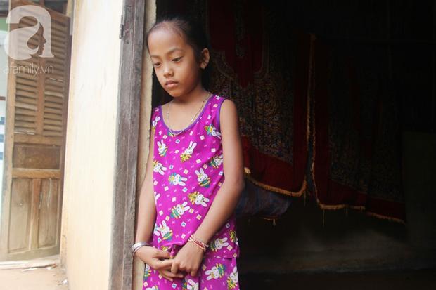 Xót cảnh mẹ bị câm điếc ú ớ rồi chết, hai đứa trẻ 6 và 9 tuổi mồ côi mẹ không có tiền đi học - Ảnh 2.