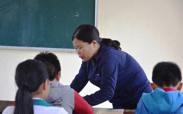 Cô giáo phạt học sinh 231 cái tát ăn được cháo, không muốn tiếp xúc người ngoài - Ảnh 1.