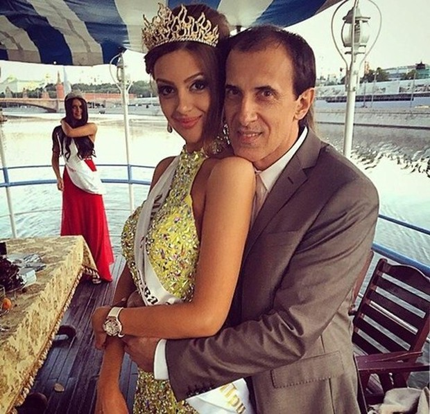 Ảnh: Nhan sắc hoa hậu Moscow (Nga) vừa kết hôn với quốc vương Malaysia - Ảnh 4.