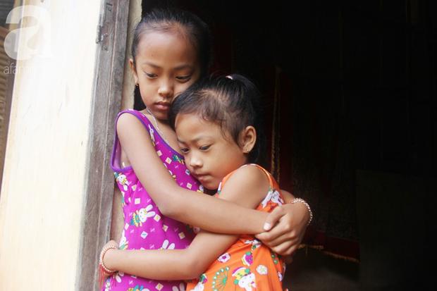 Xót cảnh mẹ bị câm điếc ú ớ rồi chết, hai đứa trẻ 6 và 9 tuổi mồ côi mẹ không có tiền đi học - Ảnh 8.