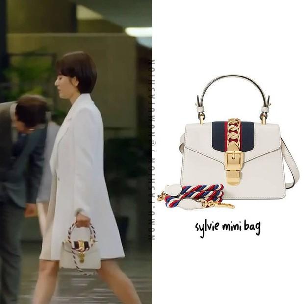 """Phim vừa chiếu, Song Hye Kyo đã """"bị"""" soi ngay style đơn giản mà mang giày 7 triệu, túi 80 triệu đồng - Ảnh 7."""