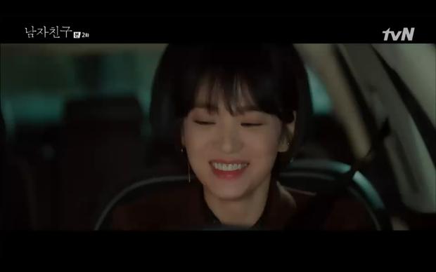 Chưa thấy cặp nào lầy như Song Hye Kyo và Park Bo Gum, em trai nhét cho chị miếng mực khô, chị thích quá ngậm luôn miếng mực mang về - Ảnh 5.