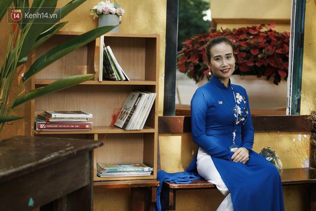 Gặp cô giáo dạy Văn, người mẹ hiền 18 năm nay của biết bao thế hệ học sinh trường Chu Văn An - Ảnh 1.