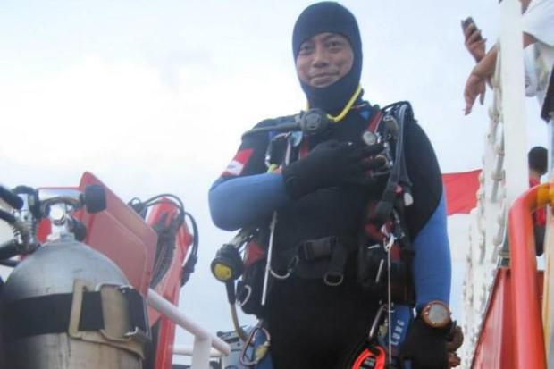 Thợ lặn Indonesia thiệt mạng sau công cuộc tìm kiếm cứu nạn chiếc máy bay của hãng Lion Air - Ảnh 1.