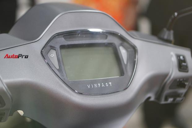 Giải đáp xe máy điện VinFast: Kháng nước tiêu chuẩn gì? Bảo hành bao lâu? Sạc bao phút thì chạy được? - Ảnh 8.