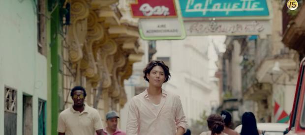 Teaser 30 giây Encounter vừa ra lò: Ngày Park Bo Gum đến, lòng Song Hye Kyo mới biết cảnh biển xô sóng trào! - Ảnh 1.