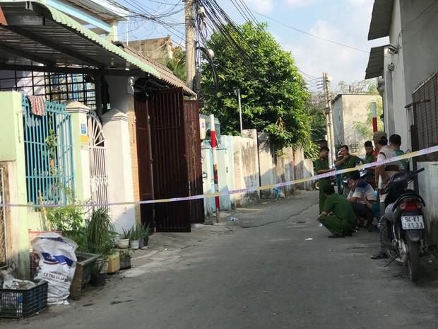 Anh trai chết ngất khi phát hiện em trai tử vong loã thể trong căn nhà 3 tầng - Ảnh 1.