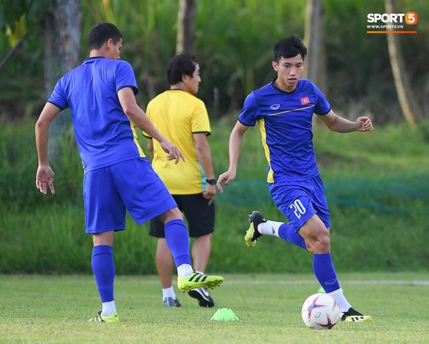 Tuyển Việt Nam tập luyện ở không gian yên bình như trong phim trước trận bán kết AFF Cup 2018  - Ảnh 5.