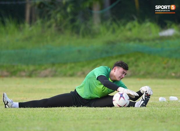 Tuyển Việt Nam tập luyện ở không gian yên bình như trong phim trước trận bán kết AFF Cup 2018  - Ảnh 11.