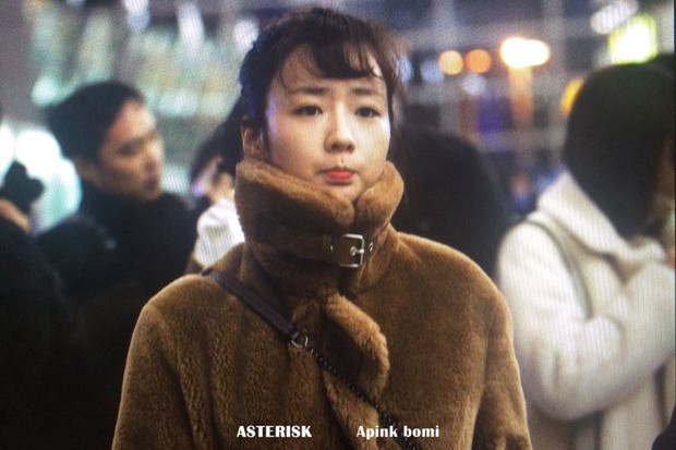 Apink, Nam Joo Hyuk, TWICE rạng rỡ sang Việt Nam hôm nay- Ảnh 3.