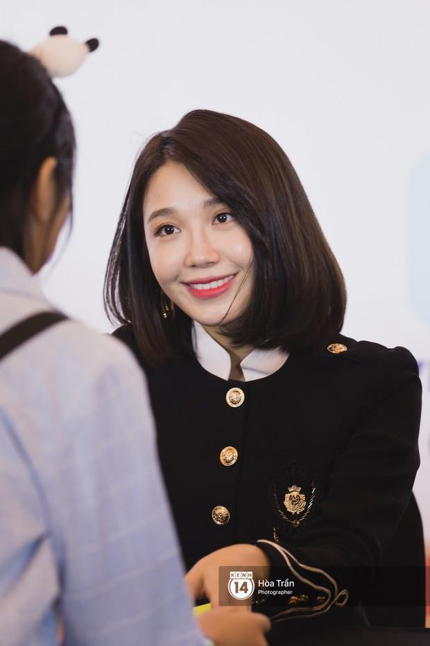 Fansign đầu tiên của Apink tại Việt Nam: Naeun khoe body nổi tiếng, Bomi và mỹ nhân này hack tuổi khó tin - Ảnh 13.