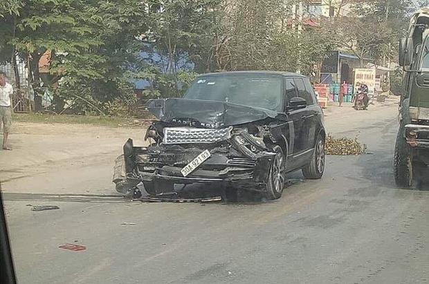 Tông nữ hiệu trưởng đứng bên lề đường tử vong, tài xế xe Range Rover tiếp tục chạy 3km rồi đâm vào container mới dừng lại - Ảnh 2.