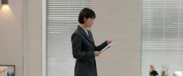 Loạt bằng chứng bóc trần thói mê trai, ham tiền của Song Hye Kyo từ thời Hậu Duệ Mặt Trời cho tới Encounter - Ảnh 6.
