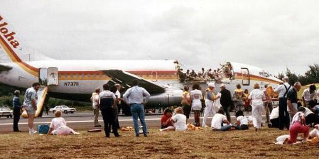 Những pha hạ cánh đáng sợ nhất lịch sử của máy bay chở khách - Ảnh 7.