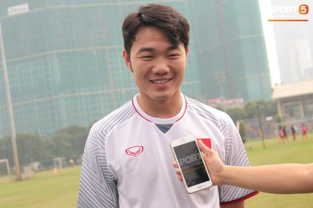Xuân Trường, Công Phượng trước giờ G: Chúng tôi đã sẵn sàng cho trận mở màn AFF Cup 2018 tối nay! - Ảnh 2.