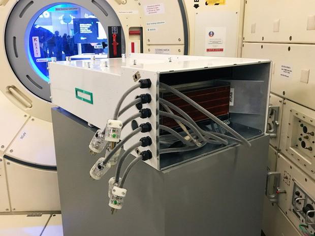 NASA từng gửi 1 siêu máy tính lên trạm không gian ISS xem nó có sống được không, và đây là kết quả - Ảnh 2.