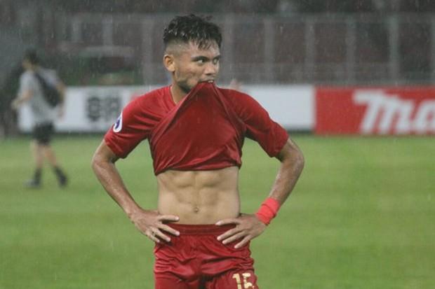 Bị tạm giam vì hành hung bạn gái, sao trẻ bị loại khỏi đội tuyển Indonesia  - Ảnh 3.
