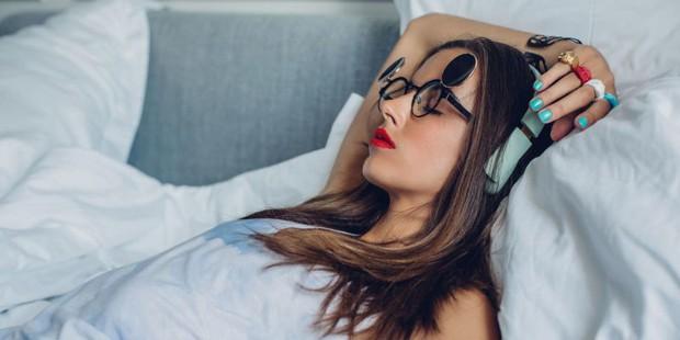 Con gái nên sửa ngay 4 thói quen xấu này trước khi đi ngủ để không làm tổn hại tới sức khỏe - Ảnh 5.